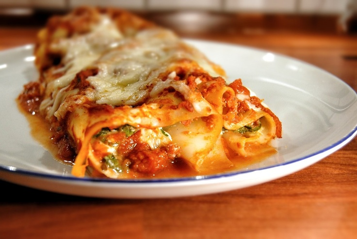 four cheese (and spinach) manicotti- left out the spinach and added ...