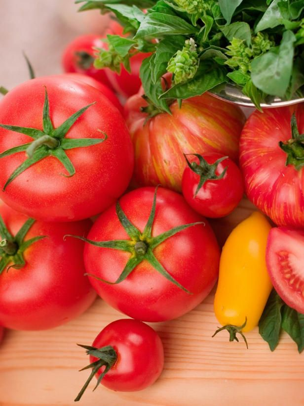Selecting Tomato Plants for Your Garden