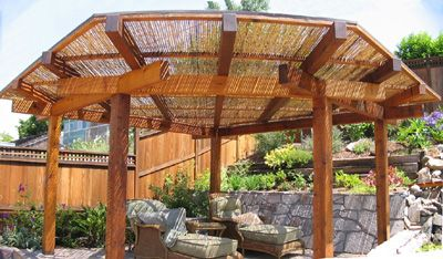 japanese pergola bamboo fencing for roof gardens and. Black Bedroom Furniture Sets. Home Design Ideas