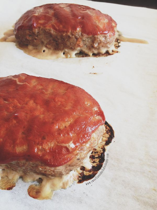 individual mini meatloaves   .Sweet Lavender Bake Shoppe.   Pinterest