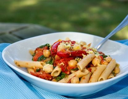 Meatless Monday: Pasta with Roasted Tomatoes, Chickpeas, and Arugula