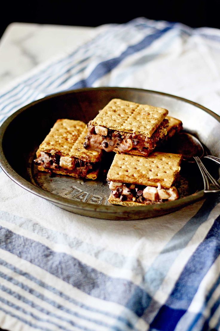 Super easy Rocky Road Graham Cracker Ice Cream Sandwiches
