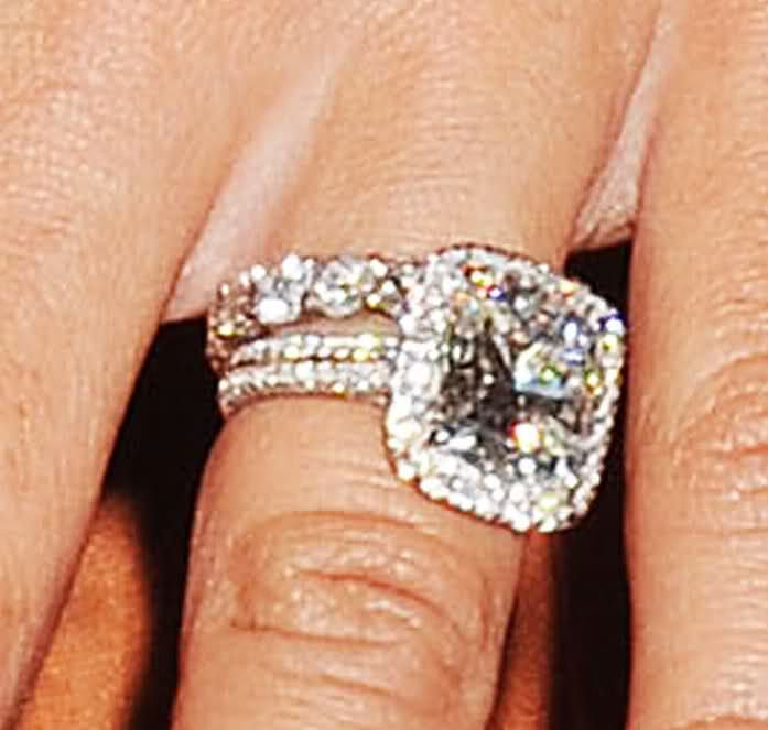 Danielle Jonas - what a beautiful engagement ring! | ♥ I ...