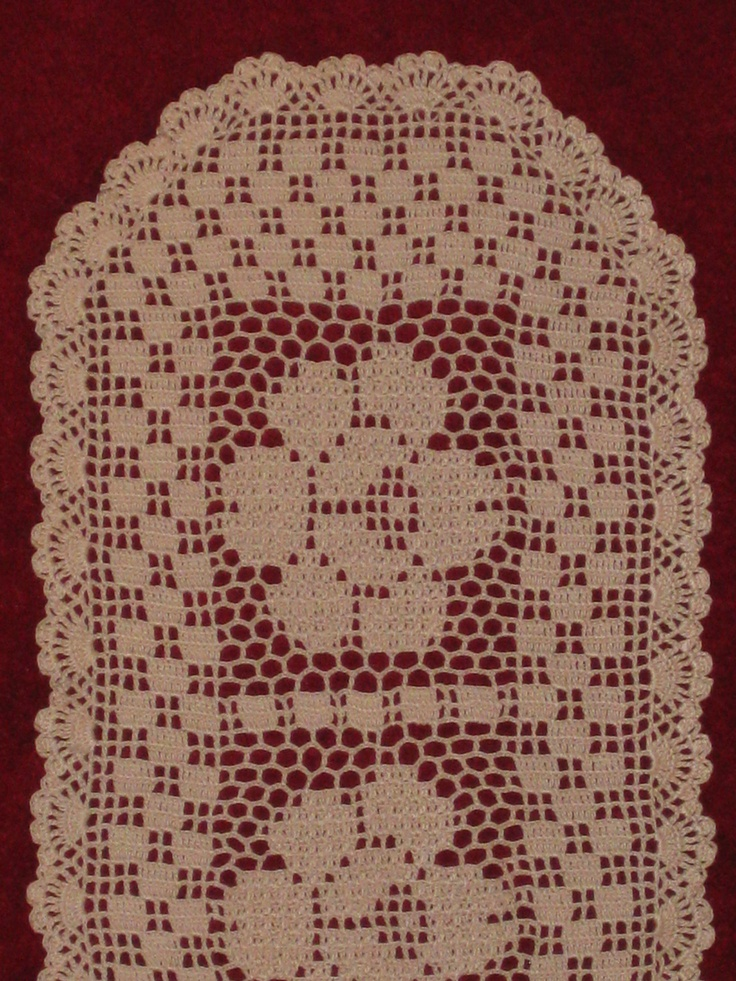 Crochet Table Runner : Crochet table runner Crochet Filet Pinterest