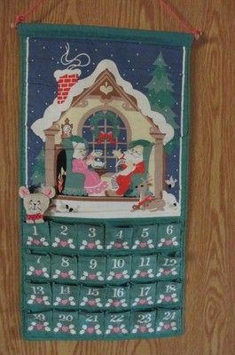 VTG AVON ADVENT CHRISTMAS HOLIDAY CALENDAR WITH ORIGINAL MOUSE CLOTH