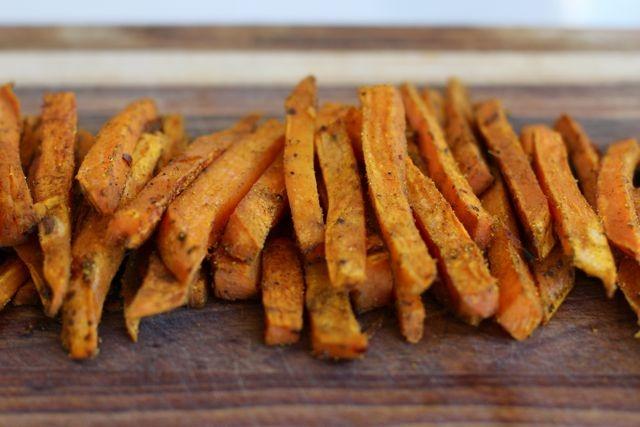 Green Cilantro: Curry Sweet Potato Fries | Nom noms | Pinterest