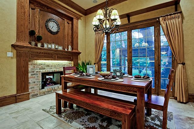 Olde World Casual Dining Room