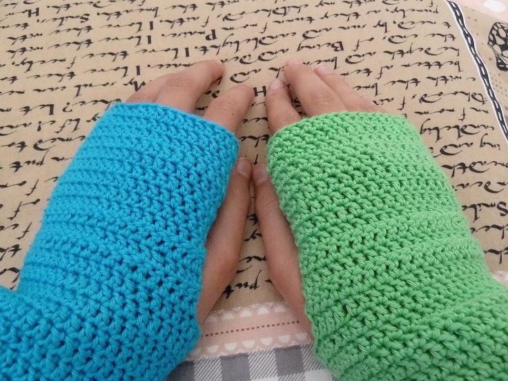 Crochet Fingerless Gloves Pattern Beginner : Fingerless Gloves Crochet Pattern Crochet Pinterest