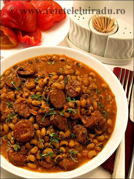 Spicy black-eyed peas with smoked chorizo sausages