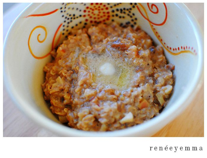 Foodie Friday} Warm Nutty Cinnamon Oatmeal with Quinoa » Renée ...