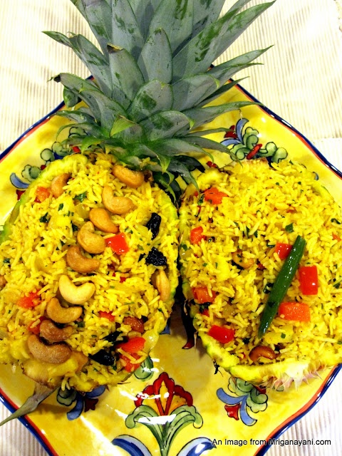 Thai Pineapple Fried Rice, I had this for lunch today at a restaurant ...