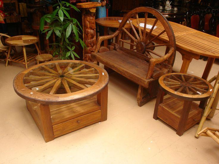 wagon wheel furniture LOOOVVEEE