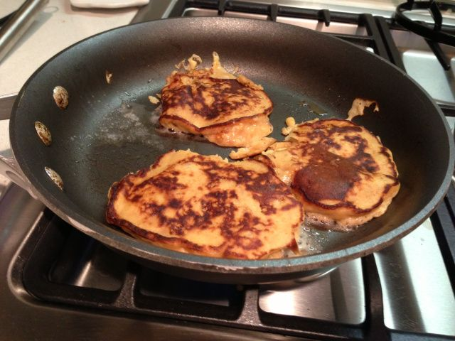 Easy banana pancakes | Health and Fitness | Pinterest