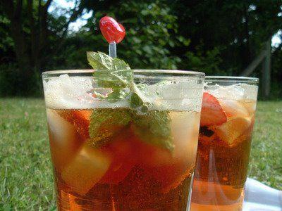 non alcoholic pimms: diet lemonade, balsamic vinegar, strawberries ...