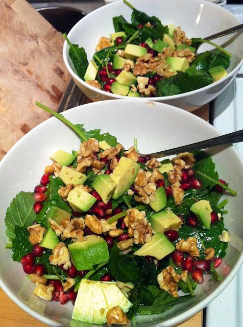 Baby Kale, Avocado, Pomegranate & Walnut Salad