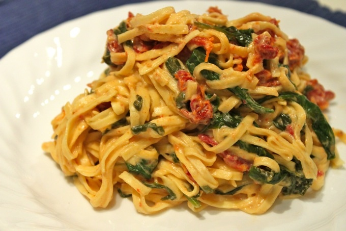 goat cheese, spinach, and sun dried tomato pasta