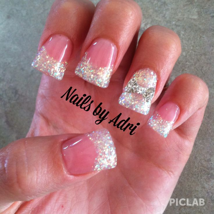 Sparkley bow acrylic nails | Cute nails | Pinterest