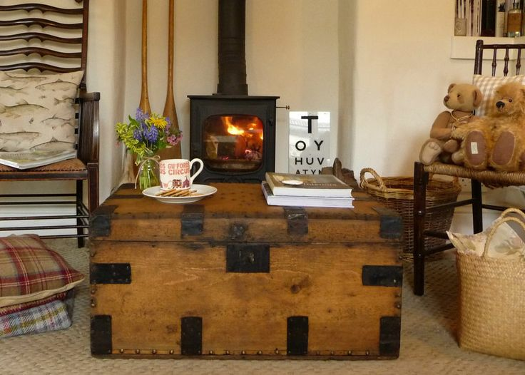 Vintage Pine Chest TRAVEL TRUNK Coffee Table OLD PINE BOX