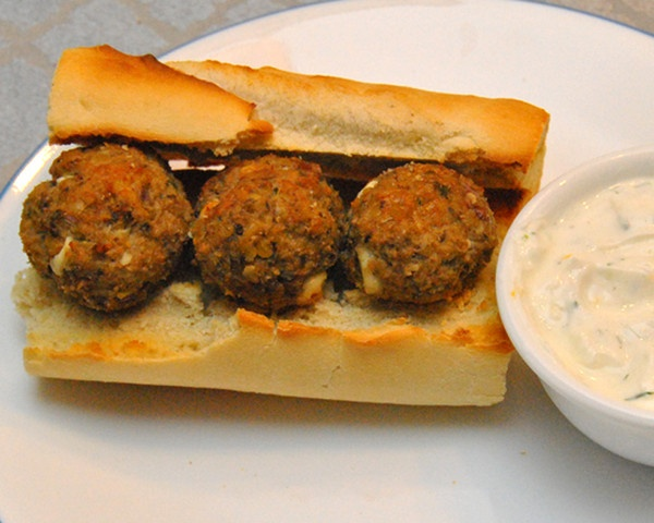Mediterranean Turkey Meatballs With Herbed Yogurt Sauce Recipes ...