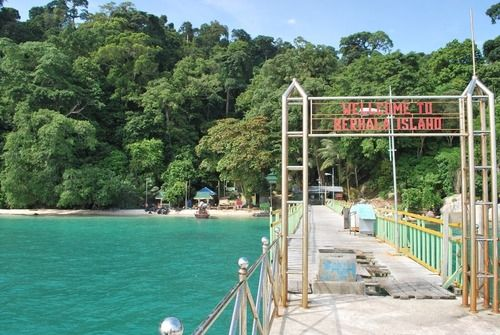 Pulau Berhala, Serdang Bedagai, Sumatra Utara, Indonesia berbatasan dengan Malaysia
