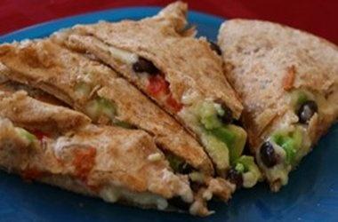 Black Bean, Avocado and Red Pepper Quesadilla Recipes. #Recipes