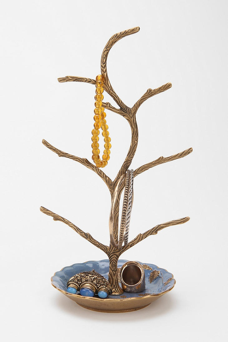 a tree grows jewelry stand