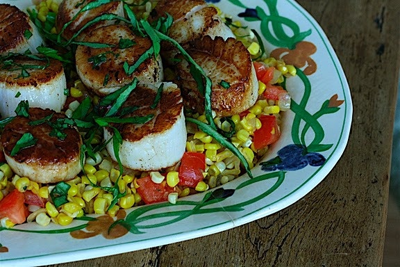 Summer Scallops with Sweet Corn and Tomato Succotash