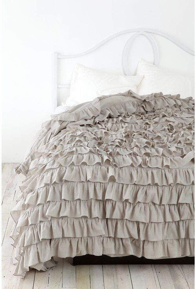 149 nwot urban outfitters ruffle duvet twin xl grey for Frilly bedspreads