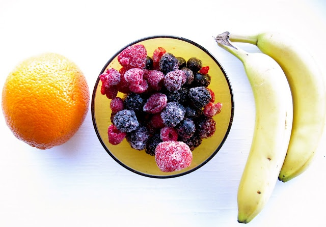 Orange berry banana smoothie | Pregnancy Snacks | Pinterest