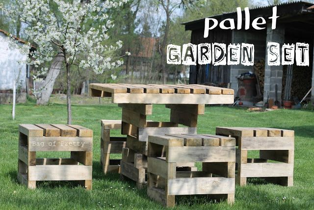 My 80 years old grandma has pallet furniture in her front yard! More pallet patio, gardening, DIY furniture ideas and inspiration at http://pinterest.com/wineinajug/passion-for-pallets/ DIY furniture, pallets, outdoor, back yard, garden, picnic