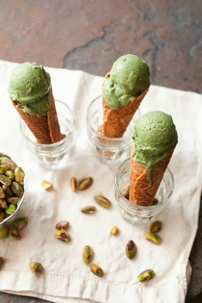 Pistachio Gelato http://sweet-treats-baking.blogspot.com/2013/09 ...