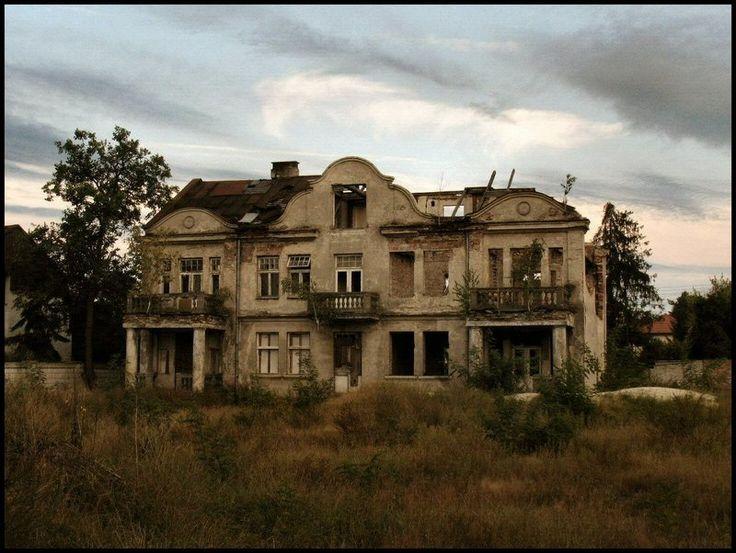 Abandoned Abandoned Mansions Pinterest