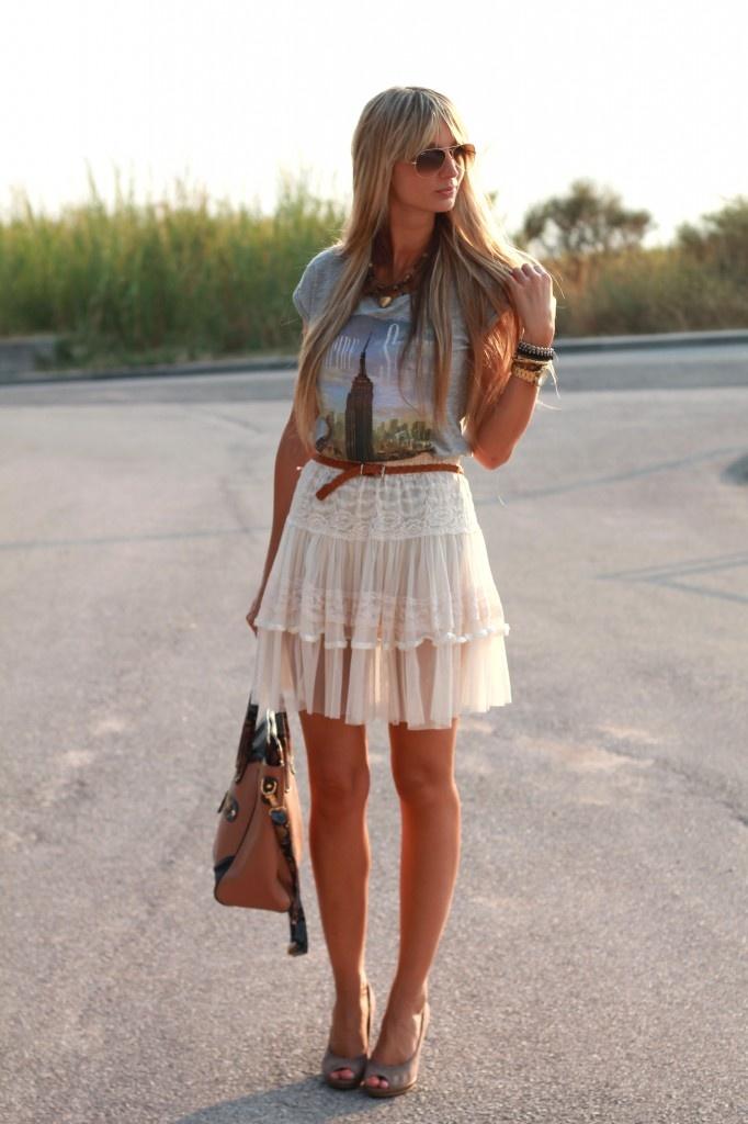 romantic skirt and tshirt