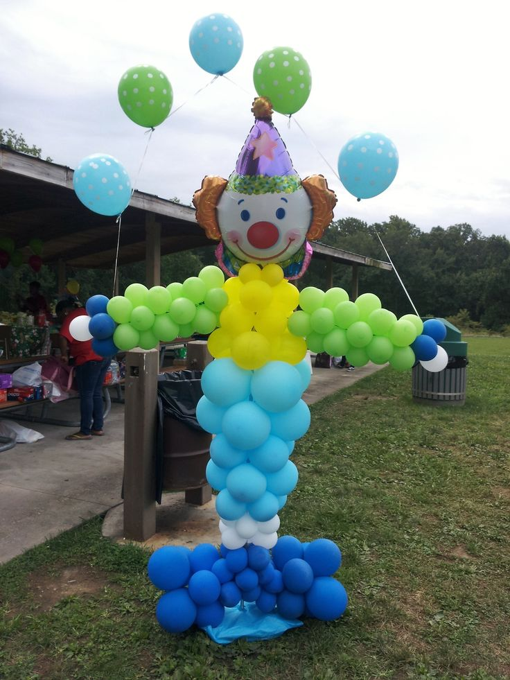Circus clown balloon column decoration circus and for Balloon column decoration