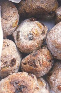 These walnut raisin rolls look fantastic