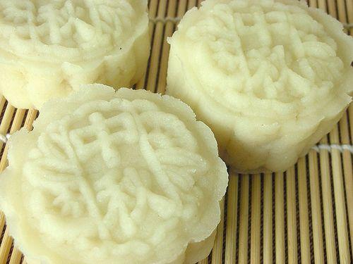 snow skin lotus paste mooncake | I Love Me Some Cake | Pinterest