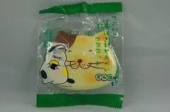 Japan Fat Cat cracking cookie squishy. squishies Pinterest