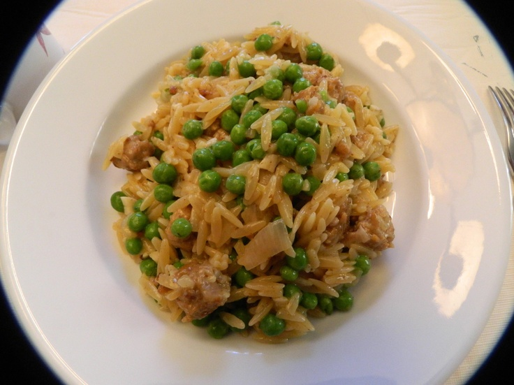 Photo Recipe: Risotto-Style Orzo Pasta with Sausage and Peas