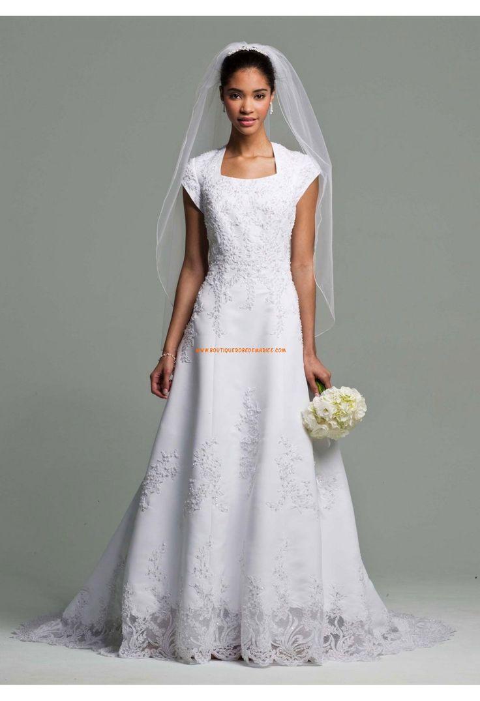 Robe de mariée dentelle avec maches courtes