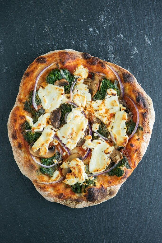 Spinach, Mushroom & Goat Cheese No-Knead Pizza | bsinthekitchen.com # ...