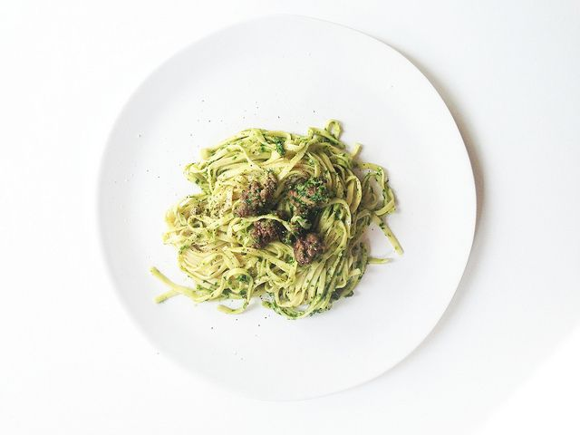 Parsley and chive pesto pasta | Eats | Pinterest