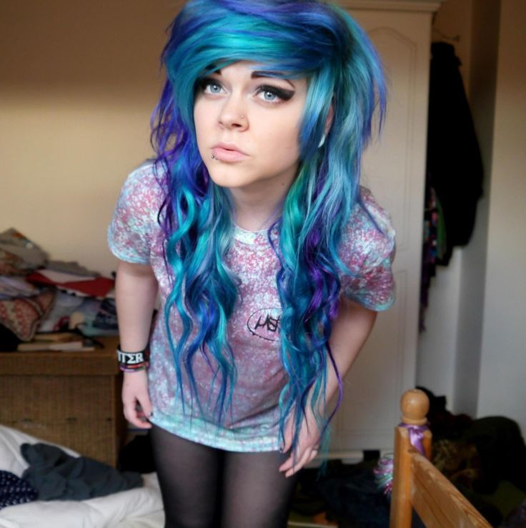 Mint blue hair dye
