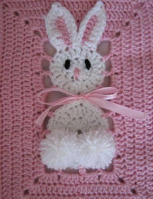 colcha con conejo a crochet