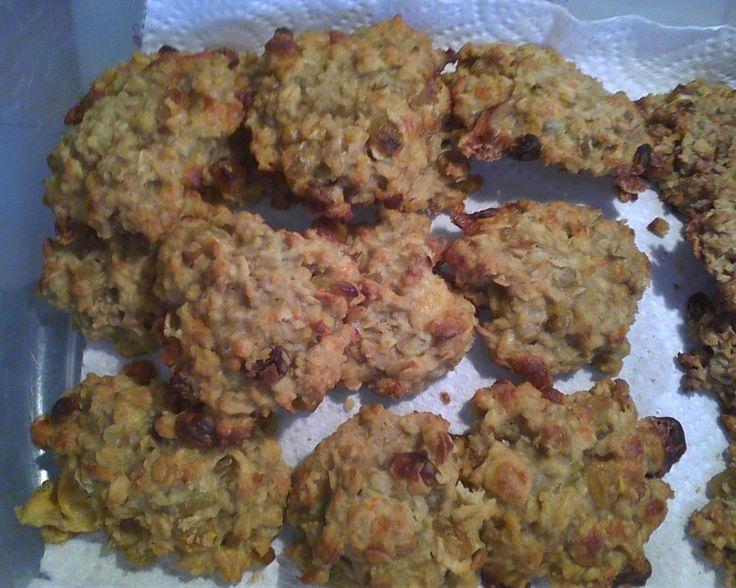 Definitely serving Apple-Gouda Oatmeal cookies upon arrival~ yum!