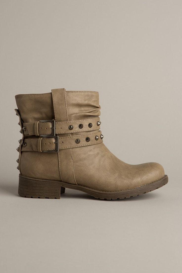 chaussures bottines clout es chaussures pinterest. Black Bedroom Furniture Sets. Home Design Ideas