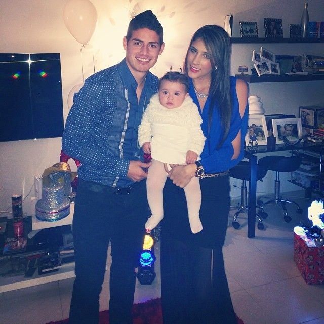 New real madrid family james rodriguez his wife daniela ospina and
