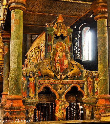 Cenotafio de los Santos Hermanos martires, Basílica de San Vicente ...