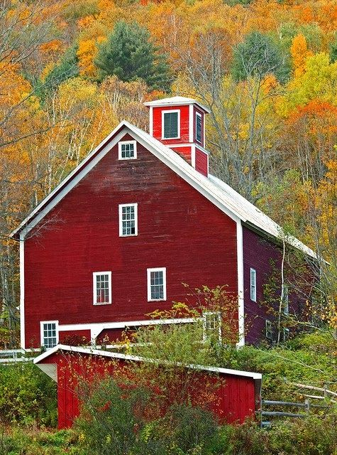New England Red Barn Look Barn Homes Pinterest