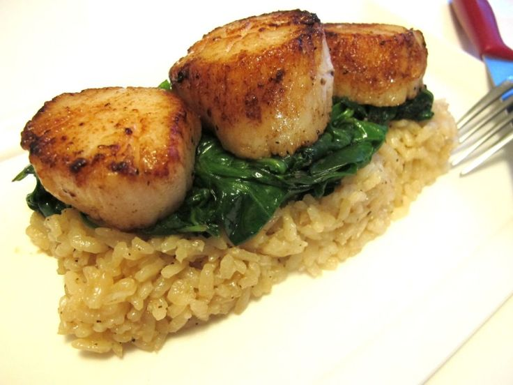 Seared Scallops with Wilted Spinach & Parmesan Risotto