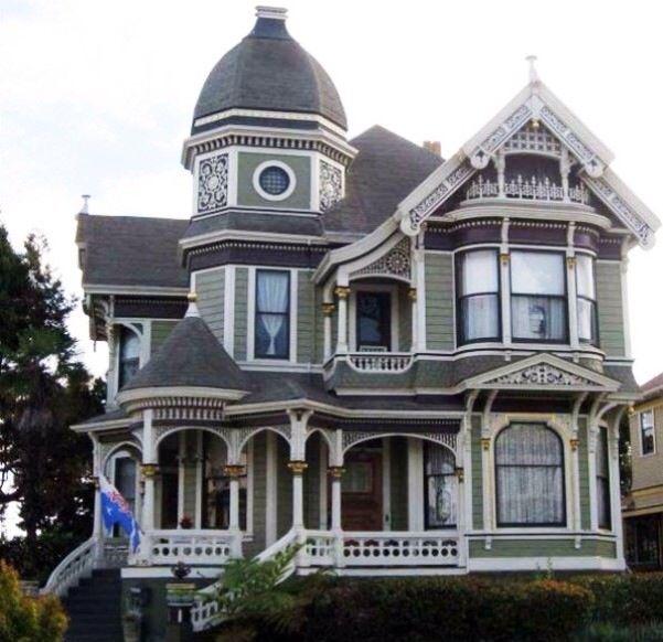 Majestic victorian exterior house paint ideas pinterest for Victorian home exterior designs